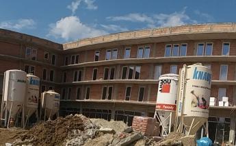 W inwestycji ZIG ZAK House dewelopera Szklane Tarasy na trzecim piętrze rozpoczęto wykonywanie tynków