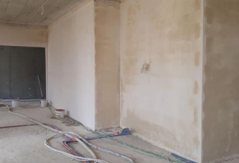 Betonowanie 13 kondygnacji, tynkowanie, montaż stolarki okiennej