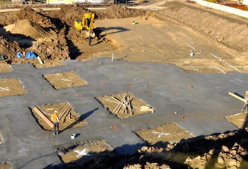 Chudy beton pod ławy fundamentowe.