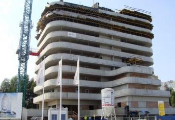 Prace na budowie coraz bardziej zaawansowane. Na kilku piętrach z nowymi apartamentami w Rzeszowie zostały zrobione już tynki.