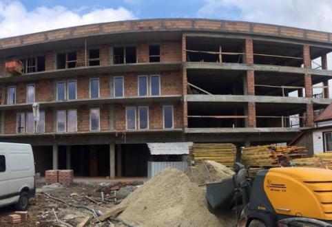Wszystkie okna na I piętrze w nowychSzklanych Tarasów ZIG ZAK House już zamontowane!