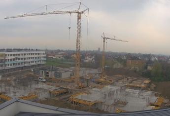 Pogoda sprzyja temu, że budowa aktywnie trwa