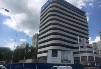 Prace na budowie budynku ST Tower przy ulicy Lewakowskiego powoli dobiegają końca
